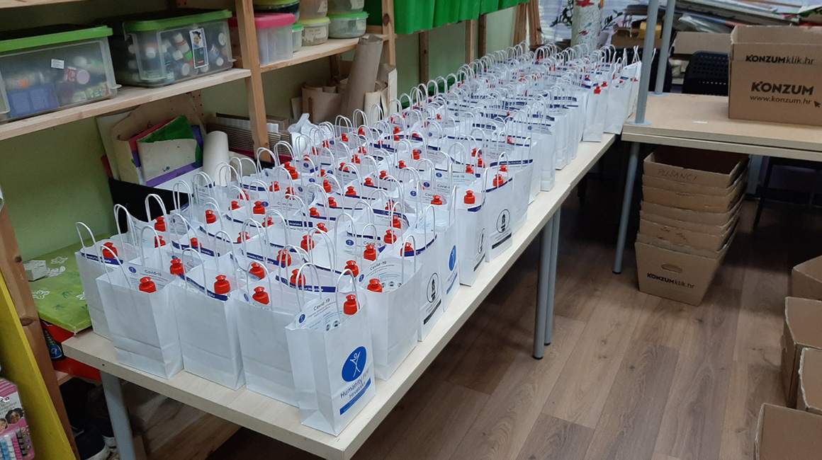 Zagreb: Verteilung von 144 Lebensmittelpaketen