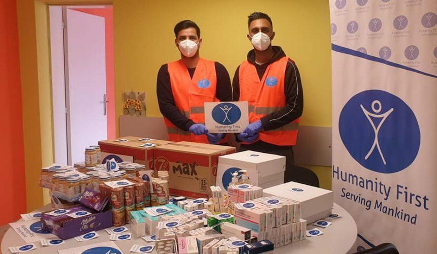 Medizinische Utensilen und Nahrung für Neugeborene in Pleven, Bulgarien