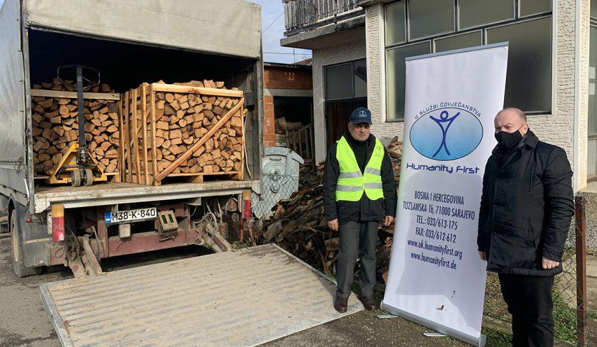 Holz und Heizmaterial für Familien in Bosnien und Herzegowina